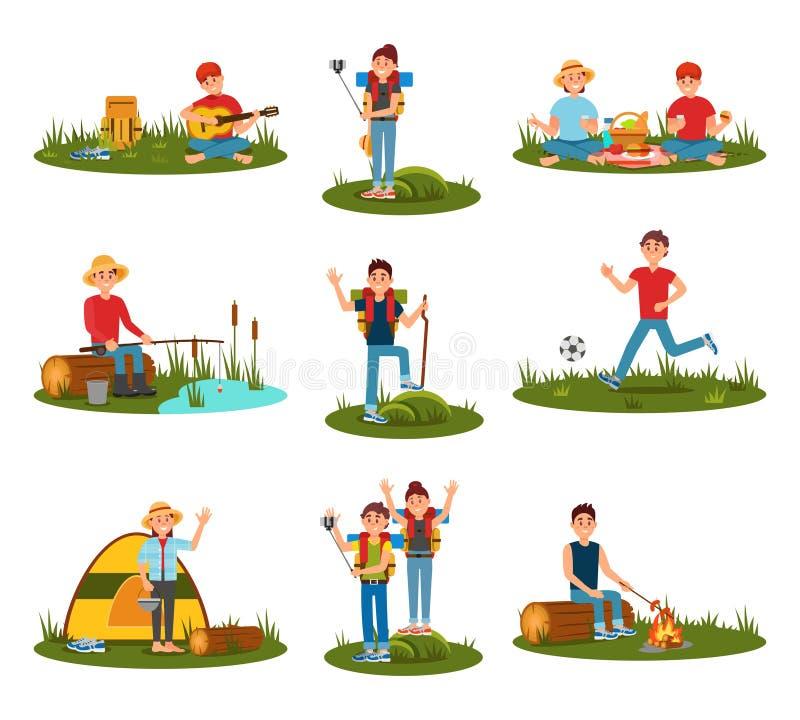 Θερινές υπαίθριες δραστηριότητες Παίζοντας ποδόσφαιρο παιδιών, μαγειρεύοντας λουκάνικα ατόμων στην πυρκαγιά, ζεύγος στο πικ-νίκ,  απεικόνιση αποθεμάτων