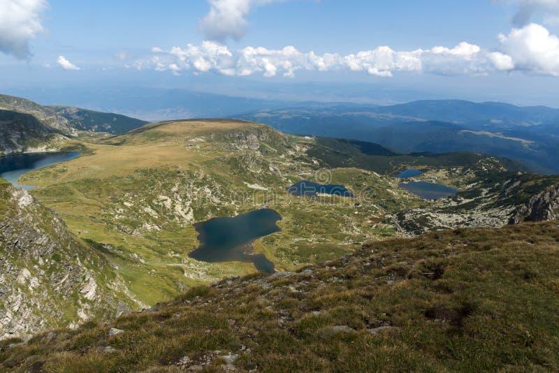 Θερινή άποψη του νεφρού, του διδύμου, Trefoil, των ψαριών και των χαμηλότερων λιμνών, βουνό Rila, οι επτά λίμνες Rila, Βουλγαρία στοκ φωτογραφία με δικαίωμα ελεύθερης χρήσης
