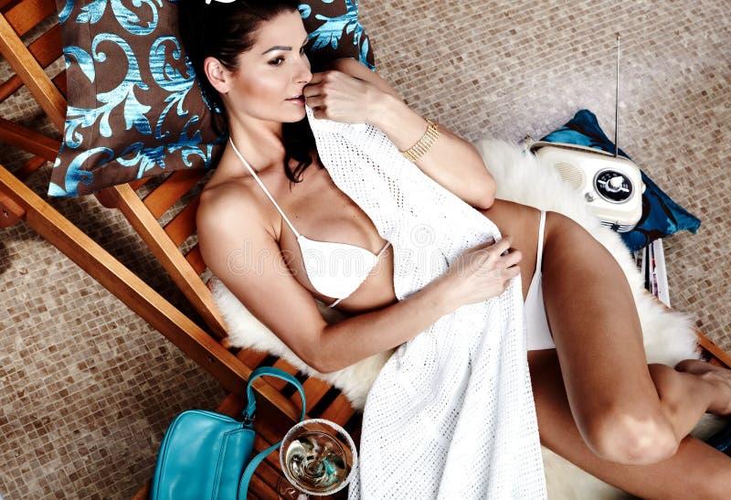 θερινή γυναίκα ποτών στοκ εικόνες με δικαίωμα ελεύθερης χρήσης