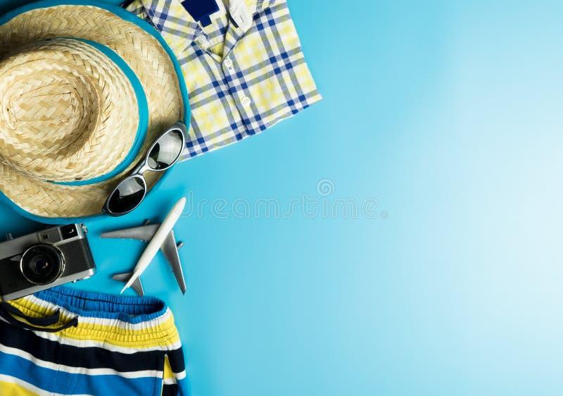 Θερινή μόδα για το ταξίδι θερινών διακοπών στοκ εικόνα