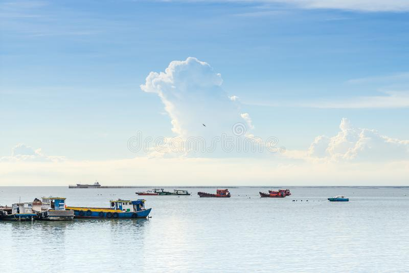 Θερινή περίοδος ημέρας, Σριράτσα, Τσονμπούρι, Ταϊλάνδη στοκ εικόνα