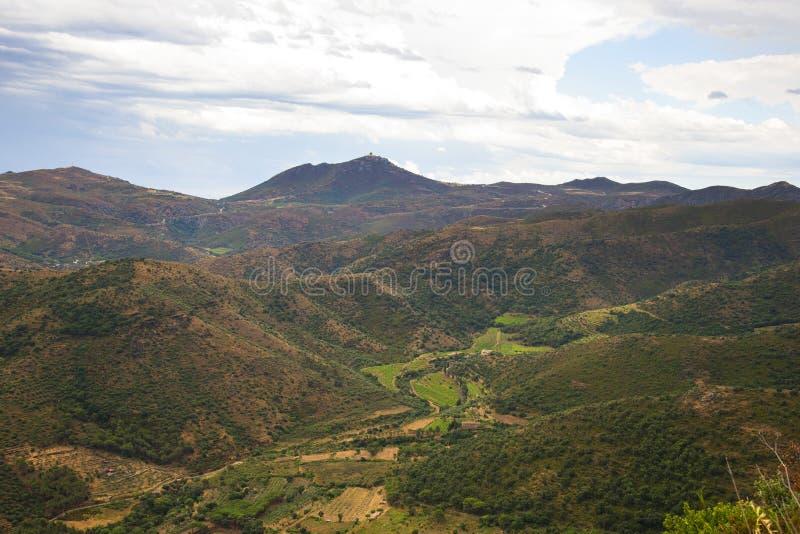 ΘΕΡΙΝΟ τοπίο Ισπανία, Καταλωνία, Κόστα Μπράβα στοκ φωτογραφίες