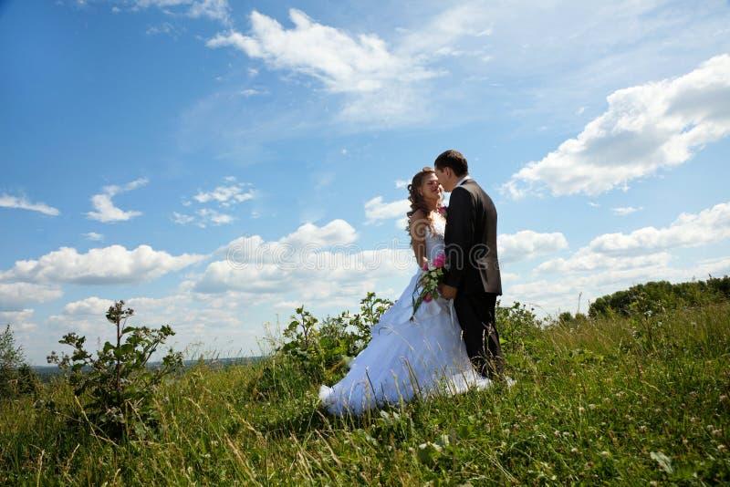 θερινός ηλιόλουστος γάμ& στοκ φωτογραφία