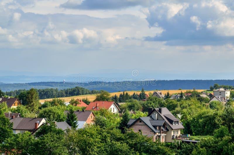 Θερινό αγροτικό τοπίο στοκ φωτογραφίες με δικαίωμα ελεύθερης χρήσης