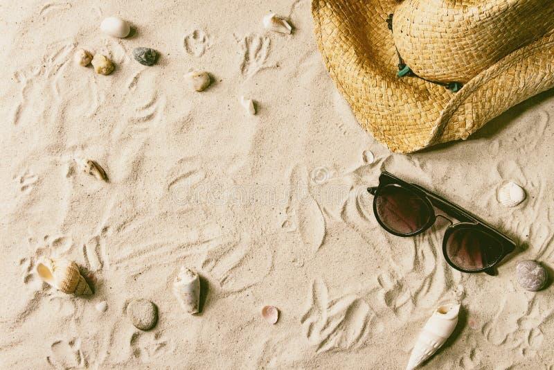 Θερινό θέμα στην άμμο στοκ εικόνα με δικαίωμα ελεύθερης χρήσης