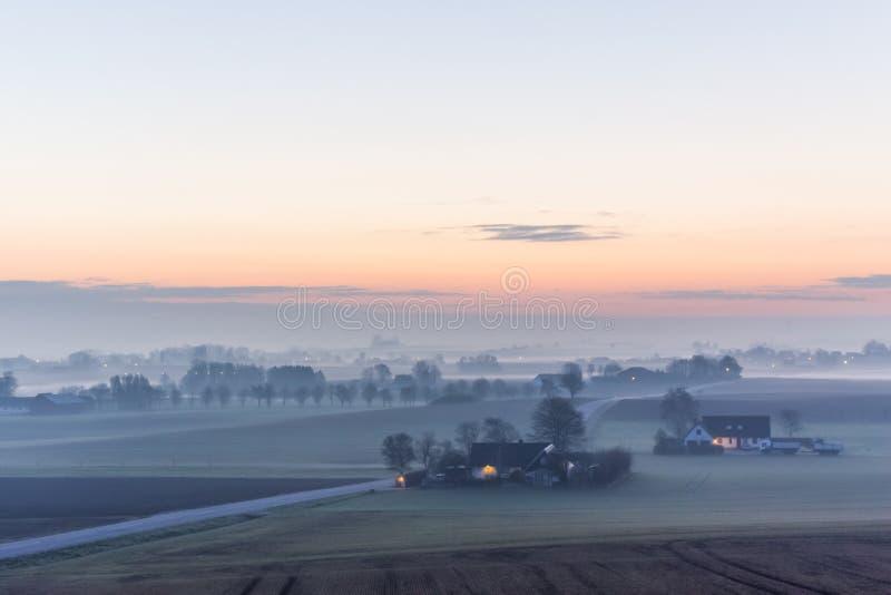 Θερινό πρωί στη Σουηδία όταν το καλύτερο στοκ φωτογραφία με δικαίωμα ελεύθερης χρήσης