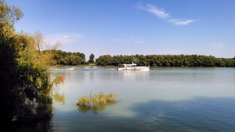 Θερινό τοπίο σε Δούναβη του δέλτα Ρουμανία στοκ εικόνες