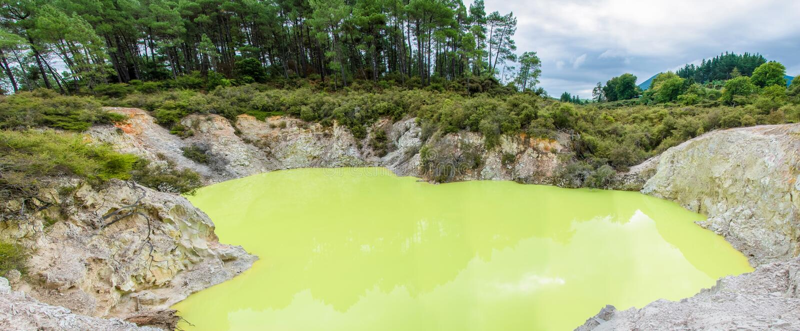 Θερμική χώρα των θαυμάτων wai-ο-Tapu που βρίσκεται σε Rotorua, Νέα Ζηλανδία στοκ φωτογραφία