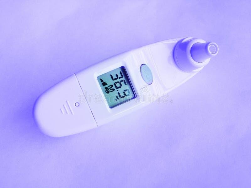 Download θερμόμετρο στοκ εικόνα. εικόνα από απομονωμένος, κανονικός - 101711