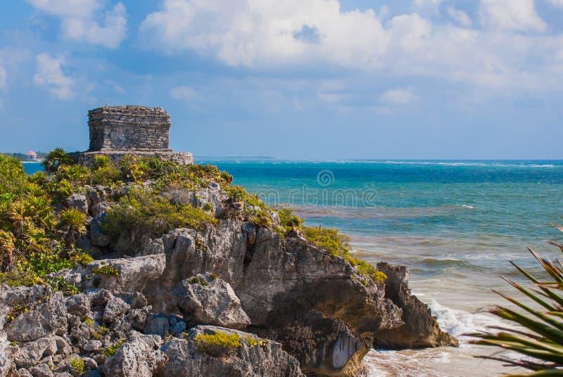 Θεός του ναού ανέμων στην τυρκουάζ καραϊβική θάλασσα Αρχαίες των Μάγια καταστροφές σε Tulum, Μεξικό, Yucatan στοκ φωτογραφία με δικαίωμα ελεύθερης χρήσης