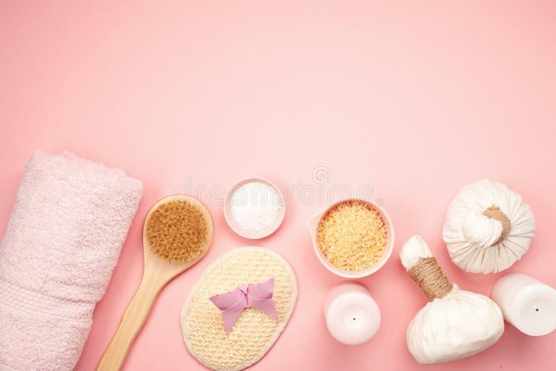 Θηλυκά προϊόντα ομορφιάς και SPA, εργαλεία και καλλυντικά άνω του π στοκ φωτογραφία με δικαίωμα ελεύθερης χρήσης