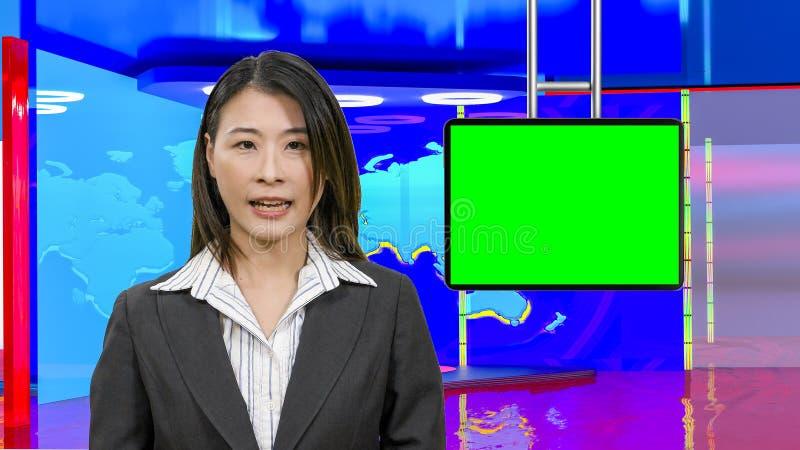 Θηλυκές ασιατικές ειδήσεις anchorwoman στο εικονικό στούντιο TV, αρχικά στοιχεία σχεδίου στοκ φωτογραφίες