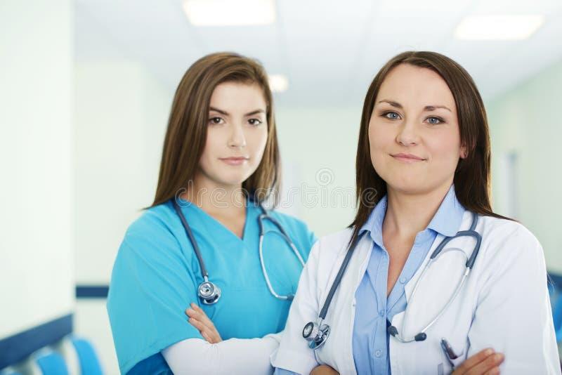 Θηλυκοί γιατροί στοκ φωτογραφίες με δικαίωμα ελεύθερης χρήσης