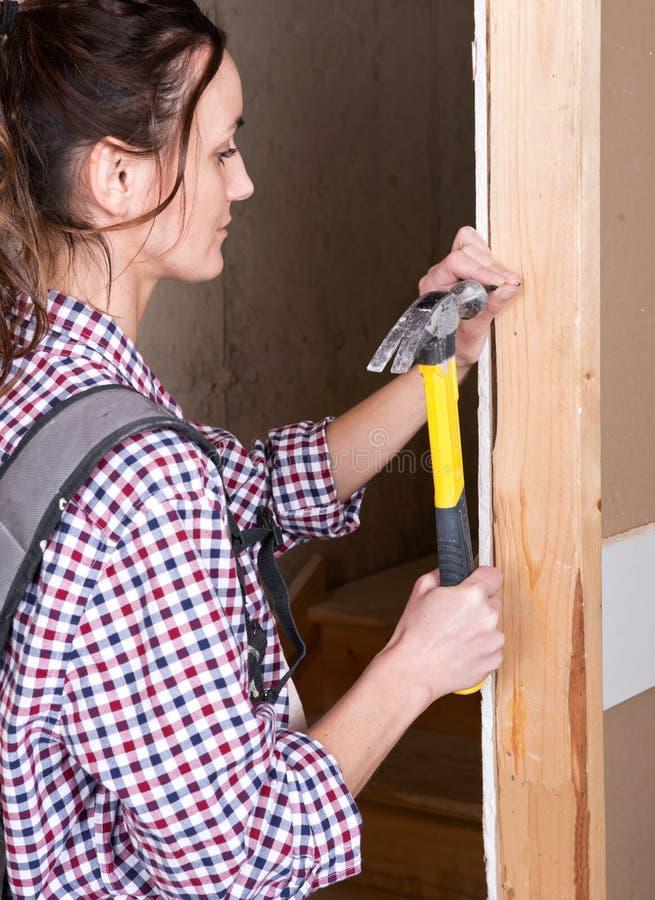 Θηλυκός εργάτης οικοδομών στοκ φωτογραφία