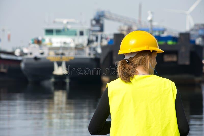 Θηλυκός Docker στοκ εικόνες