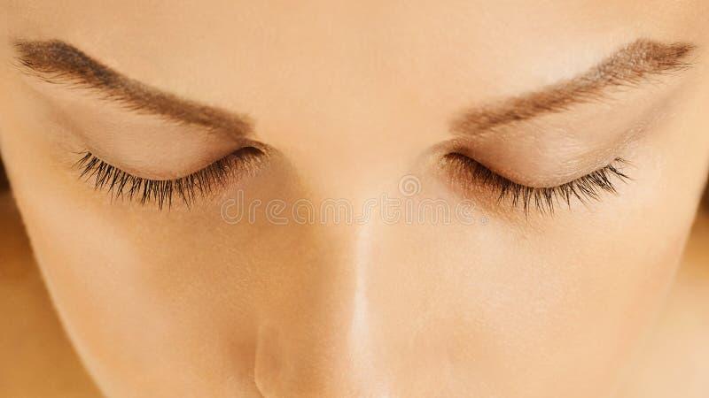 Θηλυκό πρόσωπο με τις ιδιαίτερες προσοχές, τέλειο δέρμα, χωρίς σύνθεση στοκ φωτογραφίες με δικαίωμα ελεύθερης χρήσης