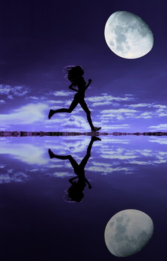 Θηλυκή σκιαγραφία δρομέων στοκ εικόνες