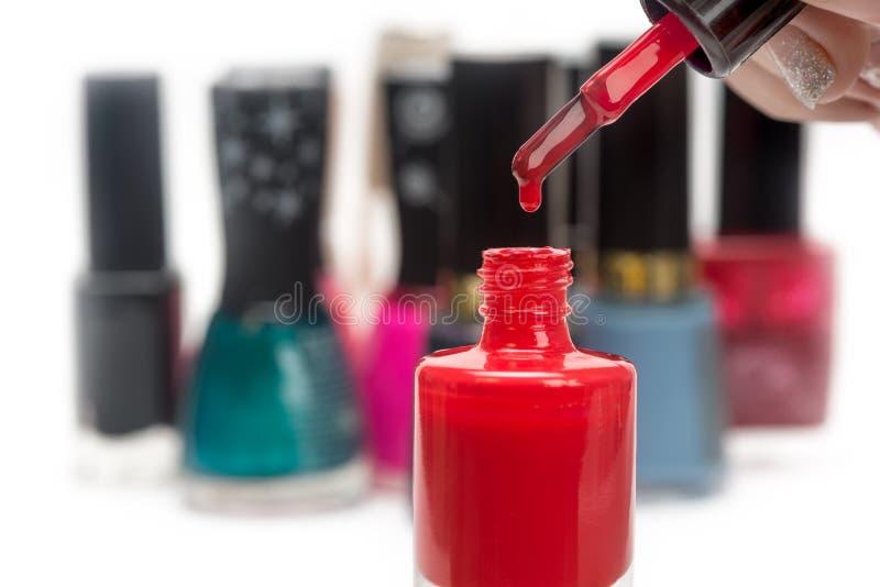 θηλυκή στιλβωτική ουσία καρφιών χεριών στοκ εικόνες