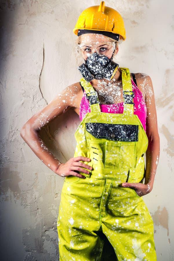Θηλυκός εργάτης οικοδομών στοκ φωτογραφίες με δικαίωμα ελεύθερης χρήσης