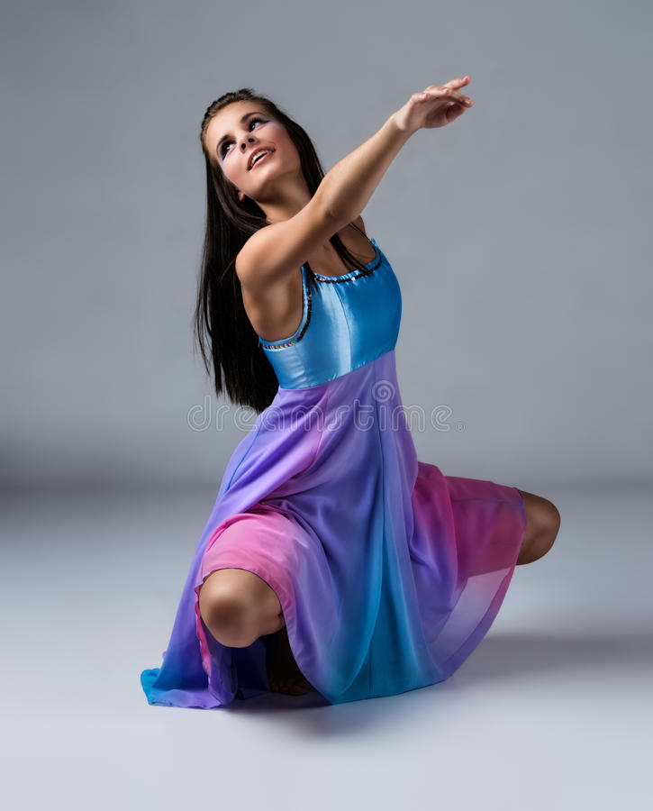 Θηλυκός σύγχρονος χορευτής στοκ εικόνα με δικαίωμα ελεύθερης χρήσης