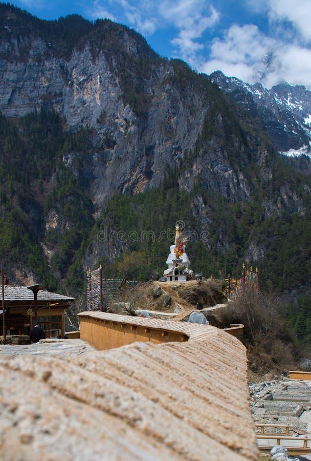 Θιβετιανή παγόδα βουδισμού στην Κίνα στοκ εικόνες