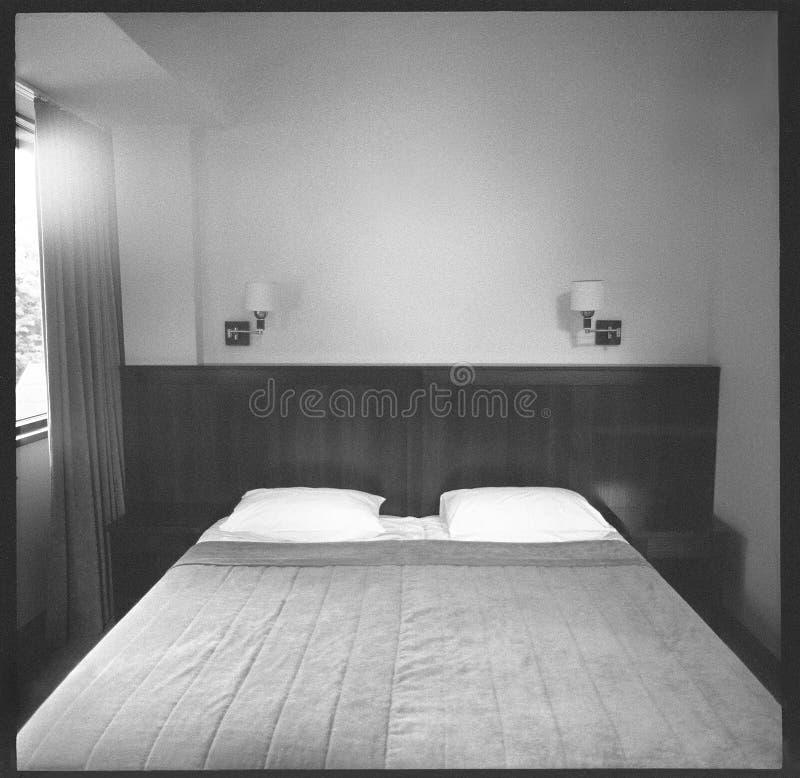 Θλιβερό δωμάτιο ξενοδοχείου στοκ φωτογραφίες με δικαίωμα ελεύθερης χρήσης