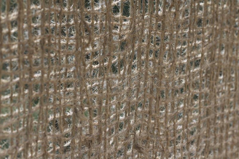 Θολωμένη περίληψη άποψη μιας αρθρωμένης γέφυρας με τη ράγα σχοινιών καρύδων στοκ εικόνες