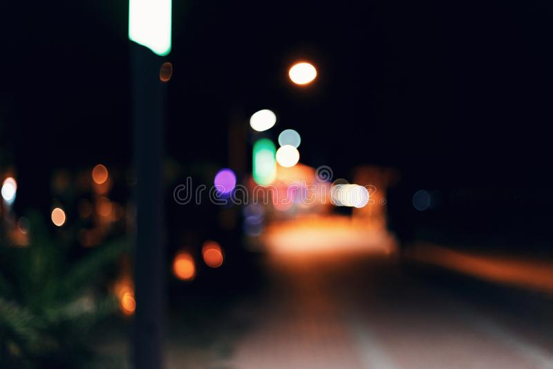 Θολωμένο υπόβαθρο του αναχώματος πόλεων νύχτας r στοκ εικόνα με δικαίωμα ελεύθερης χρήσης