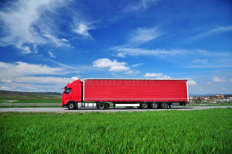 θολωμένη γωνία όψη truck μεταφορών κινήσεων επίδρασης ευρέως στοκ φωτογραφίες με δικαίωμα ελεύθερης χρήσης