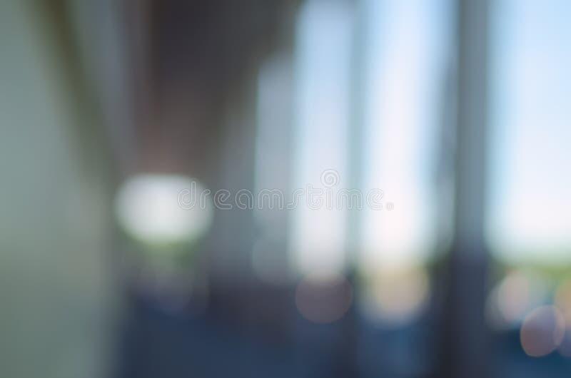 Θολωμένο υπόβαθρο πόλεων - η σχηματισμένη αψίδα διάβαση πεζών στοκ εικόνες με δικαίωμα ελεύθερης χρήσης