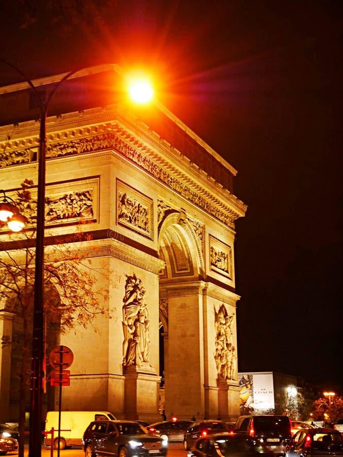Θριαμβευτική αψίδα, νύχτα Παρίσι στοκ εικόνες με δικαίωμα ελεύθερης χρήσης