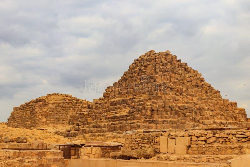Θυγατρικές πυραμίδες στην πυραμίδα Giza σύνθετη στο Κάιρο, Αίγυπτος στοκ εικόνες με δικαίωμα ελεύθερης χρήσης