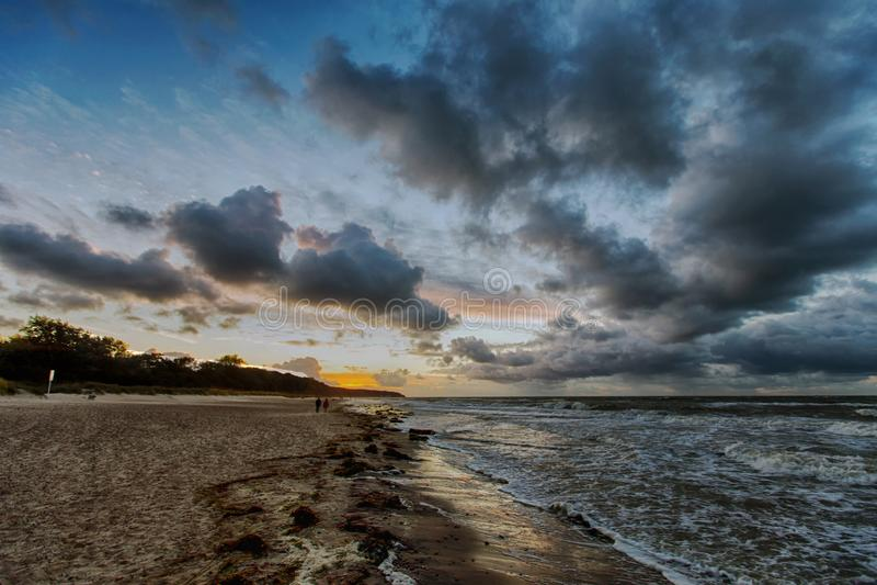 Θυελλώδεις ημέρες στην ακτή στοκ εικόνα με δικαίωμα ελεύθερης χρήσης