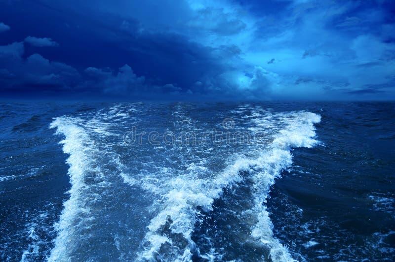 Θυελλώδης ωκεανός. στοκ εικόνες