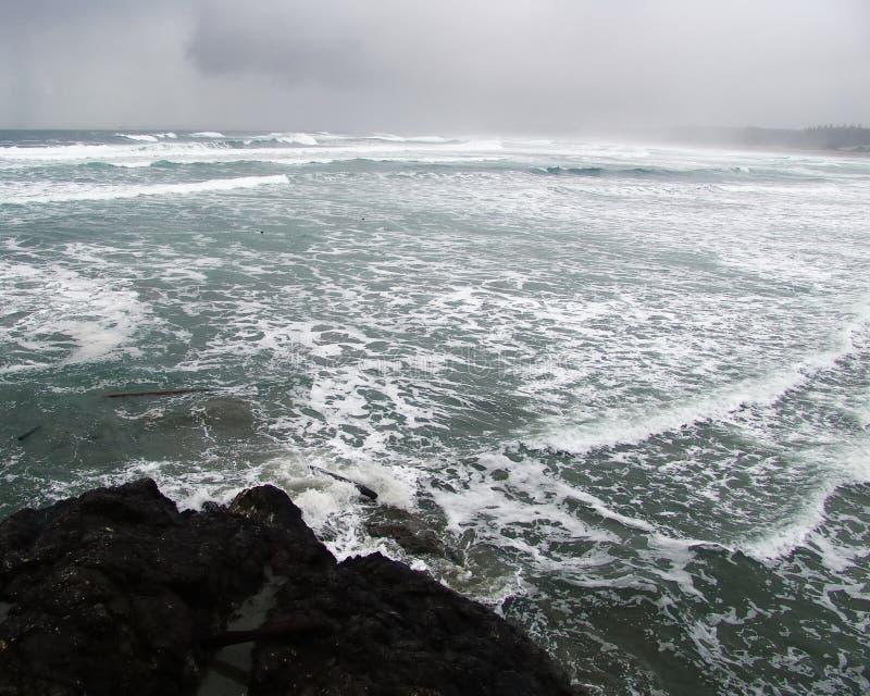 θυελλώδη κύματα ημέρας στοκ εικόνα