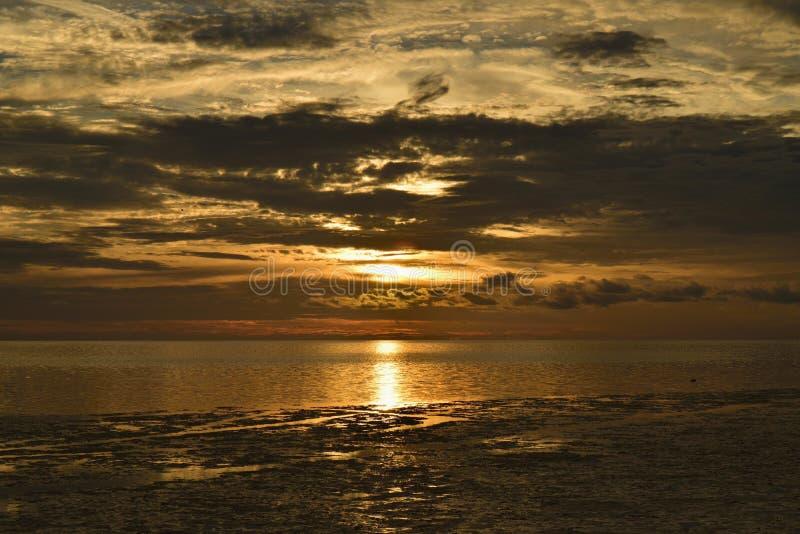 θυελλώδες ηλιοβασίλεμα στοκ εικόνα με δικαίωμα ελεύθερης χρήσης