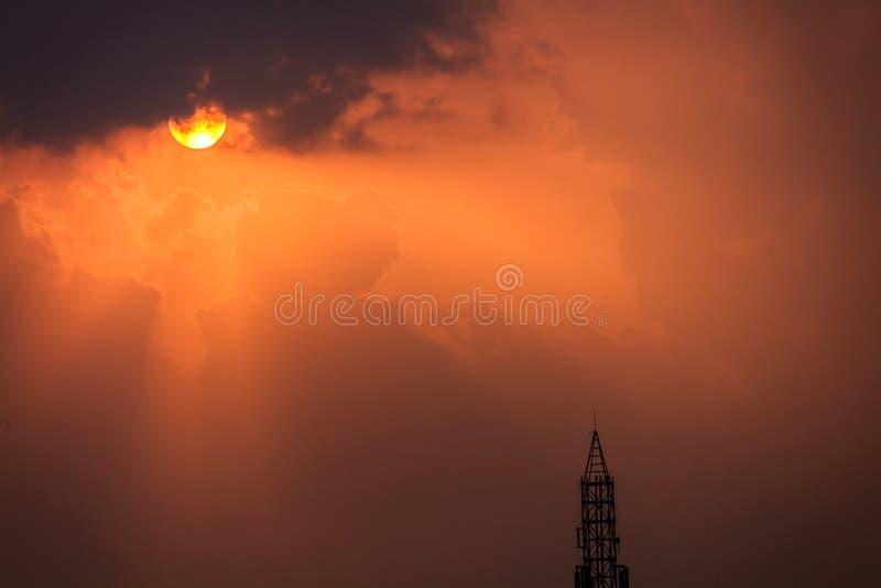 Θυελλώδης θερινή σκιαγραφία στοκ εικόνες με δικαίωμα ελεύθερης χρήσης