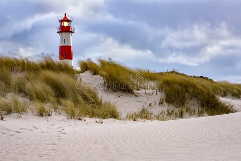 Θυελλώδης καιρός - φάρος στο νησί Sylt στοκ φωτογραφία με δικαίωμα ελεύθερης χρήσης