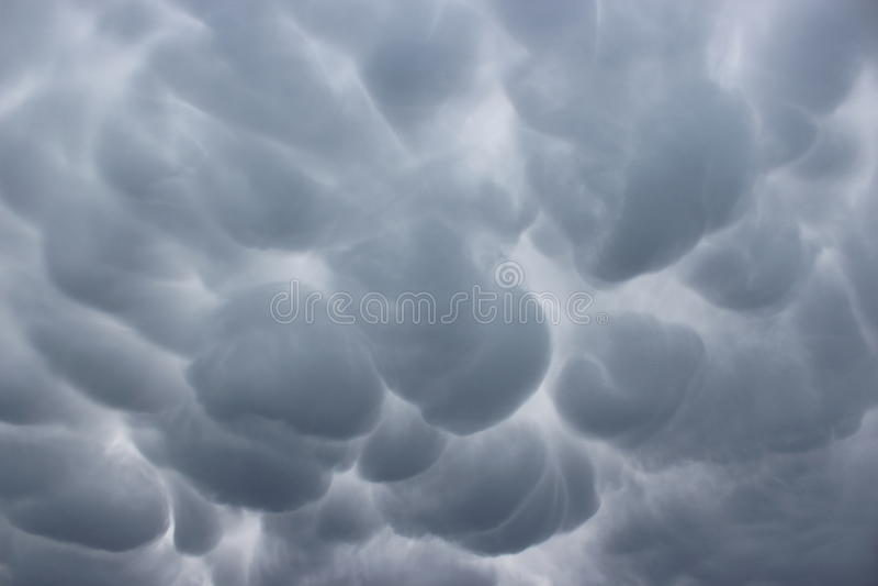 Θυελλώδης ουρανός πέρα από το Pas-de-Calais στοκ εικόνα
