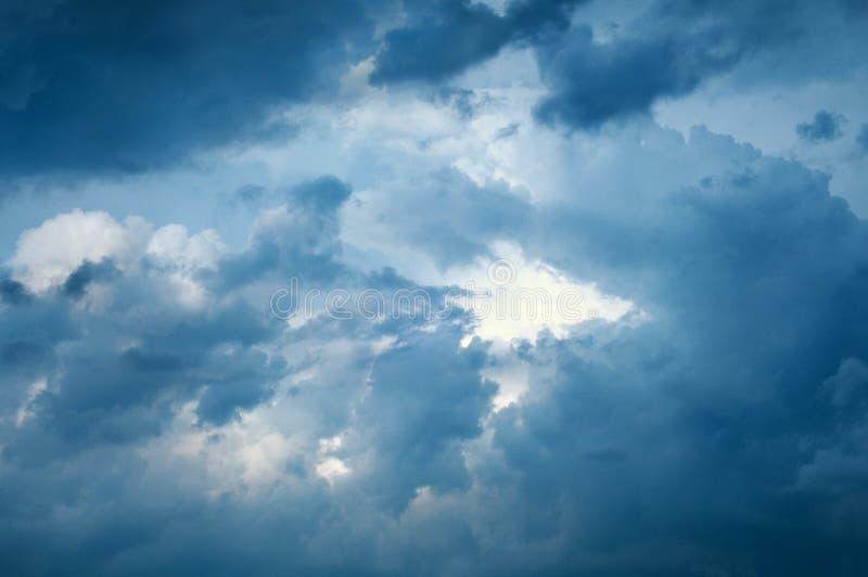 Θυελλώδης ουρανός στοκ εικόνες