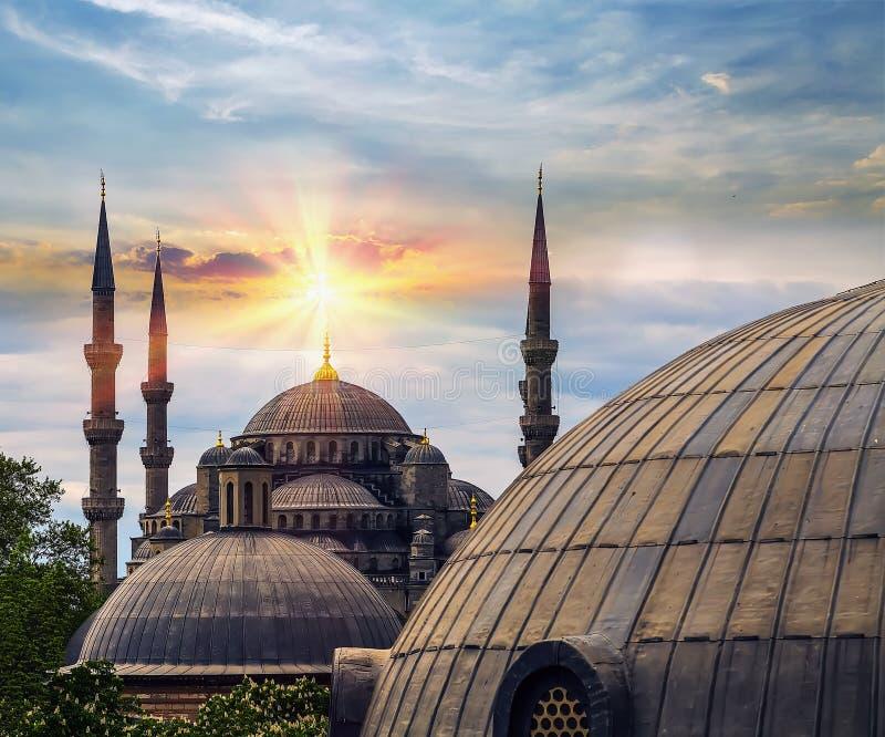 Θόλος ήλιων άνοιξη και μιναρές Hagia Sophia Ιστανμπούλ, Τουρκία στοκ φωτογραφία με δικαίωμα ελεύθερης χρήσης