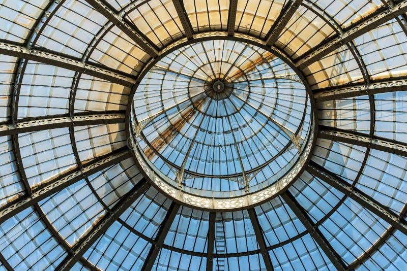 Θόλος γυαλιού - Galleria Vittorio Emanuele ΙΙ - Μιλάνο Ιταλία στοκ εικόνα με δικαίωμα ελεύθερης χρήσης