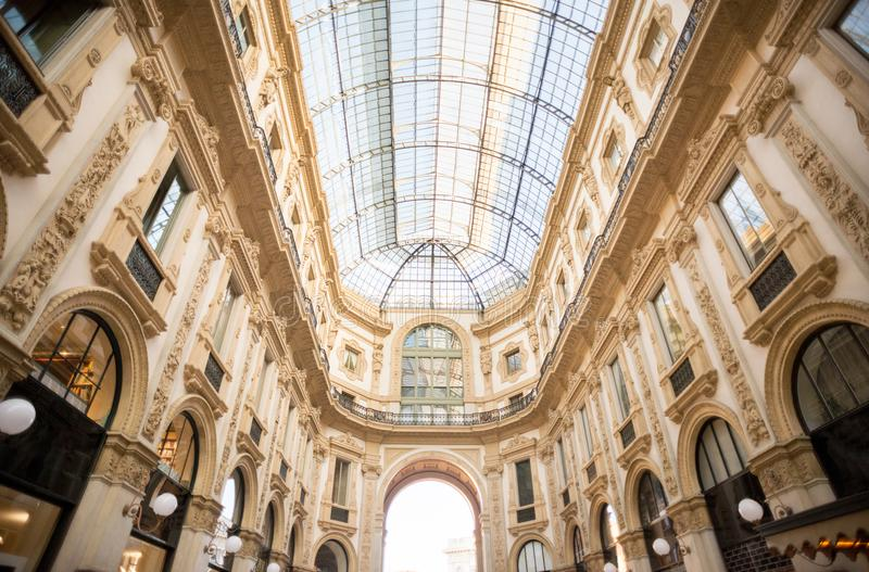 Θόλος γυαλιού Galleria Vittorio Emanuele στο Μιλάνο στοκ εικόνες με δικαίωμα ελεύθερης χρήσης