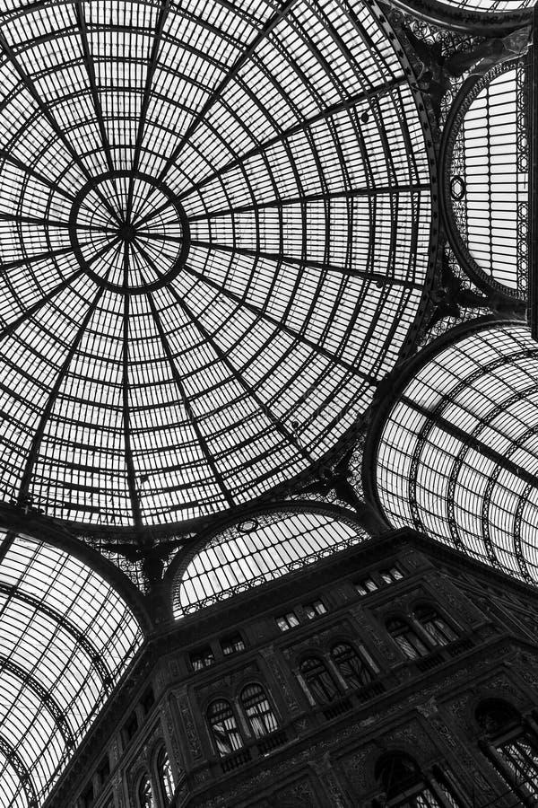 Θόλος στεγών γυαλιού Galleria Umberto I στοκ εικόνες με δικαίωμα ελεύθερης χρήσης