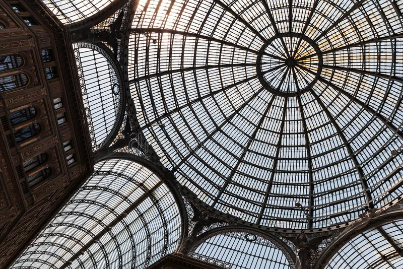Θόλος στεγών γυαλιού Galleria Umberto I στοκ φωτογραφία με δικαίωμα ελεύθερης χρήσης