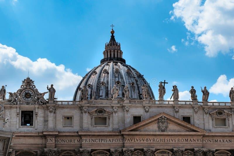 Θόλος Michelangelo στη βασιλική του ST Peter r στοκ φωτογραφίες με δικαίωμα ελεύθερης χρήσης
