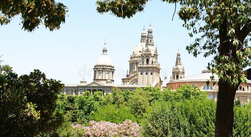 Θόλοι του εθνικού παλατιού της Καταλωνίας στοκ εικόνα με δικαίωμα ελεύθερης χρήσης