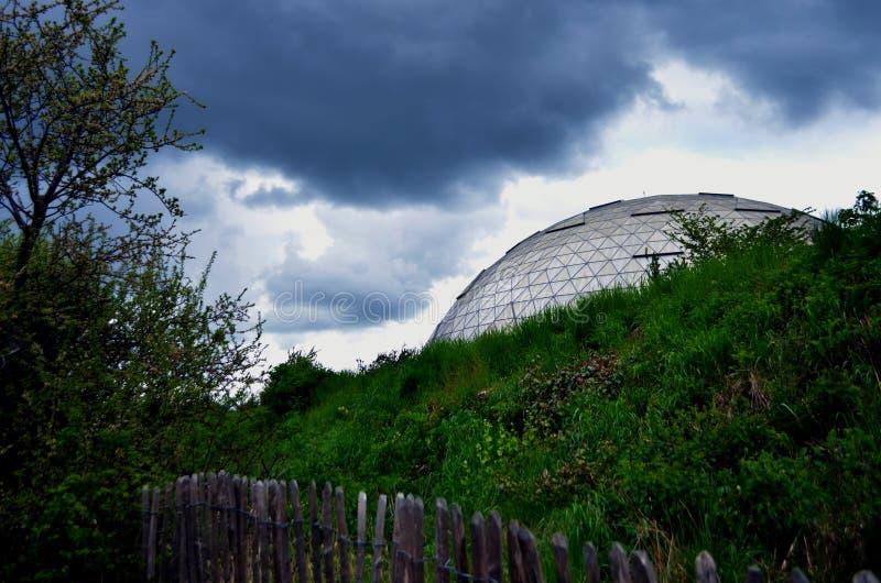 Θόλος στη βροχή στοκ φωτογραφία με δικαίωμα ελεύθερης χρήσης