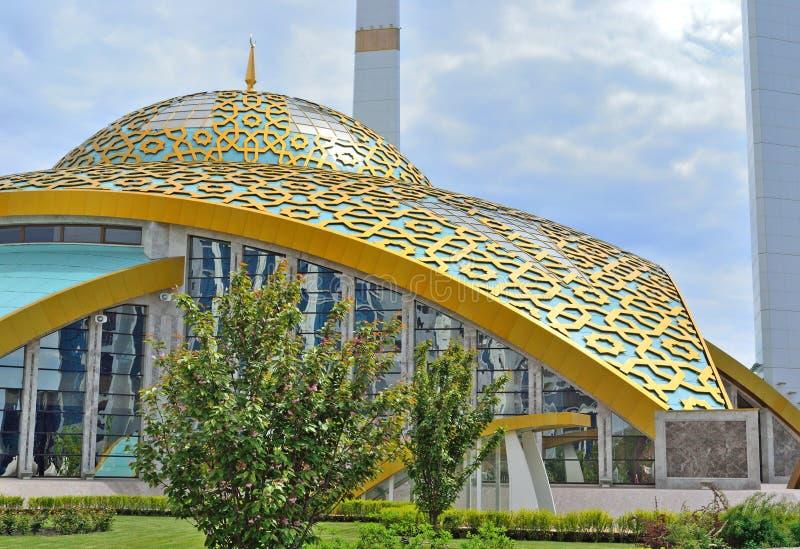 Θόλος του μουσουλμανικού τεμένους σε Argun στην τσετσένια Δημοκρατία Ρωσία στοκ φωτογραφία με δικαίωμα ελεύθερης χρήσης