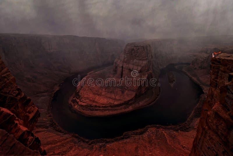 Θύελλα πέρα από την κάμψη παπουτσιών αλόγων του ποταμού του Κολοράντο στοκ εικόνες με δικαίωμα ελεύθερης χρήσης